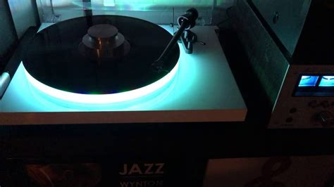 Pro-ject Debut III Turntable with Acrylic platter and leds